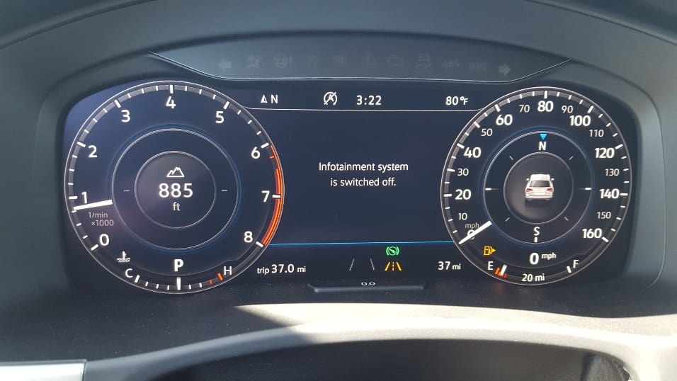 2018 Volkswagen Atlas digital cockpit instrumentation
