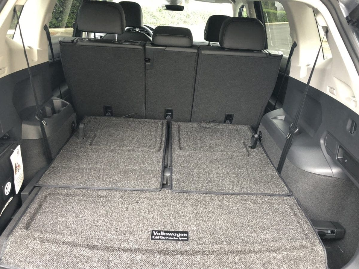 2018 Volkswagen Tiguan cargo area w. backseats down