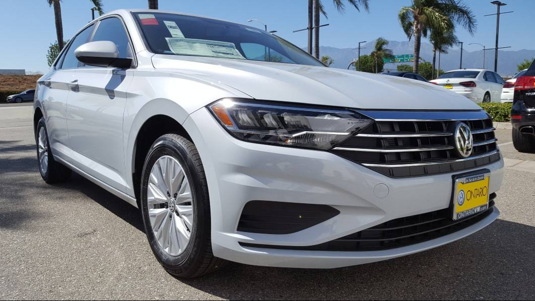 2019 Volkswagen Jetta Review, BEST Prices, Trims, Features & Photos