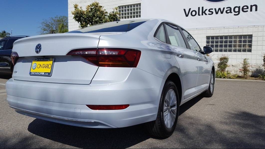 White 2019 VW Jetta review - passenger rear