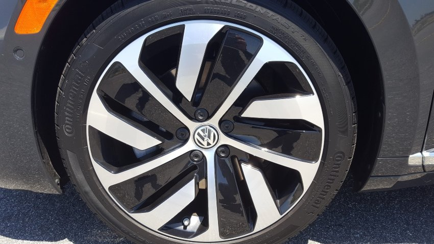 Close-up 2019 VW Arton wheel
