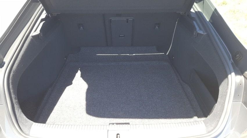 Interior 2019 Volkswagen Arteon cargo area