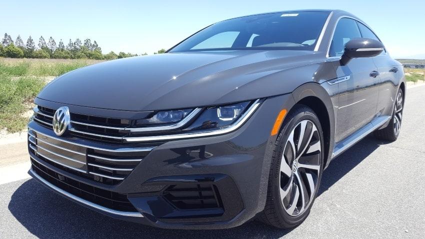 Gray 2019 Volkswagen Arteon driver front