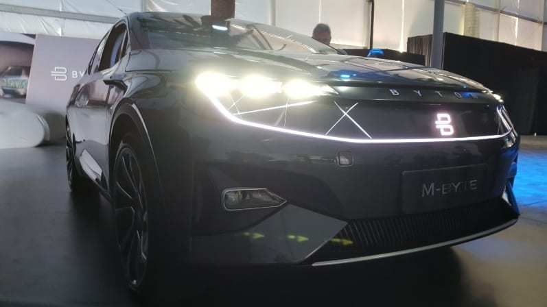 Byton M-Byte Concept Passenger-side front-view - Futuristic white lines enhancing headlights