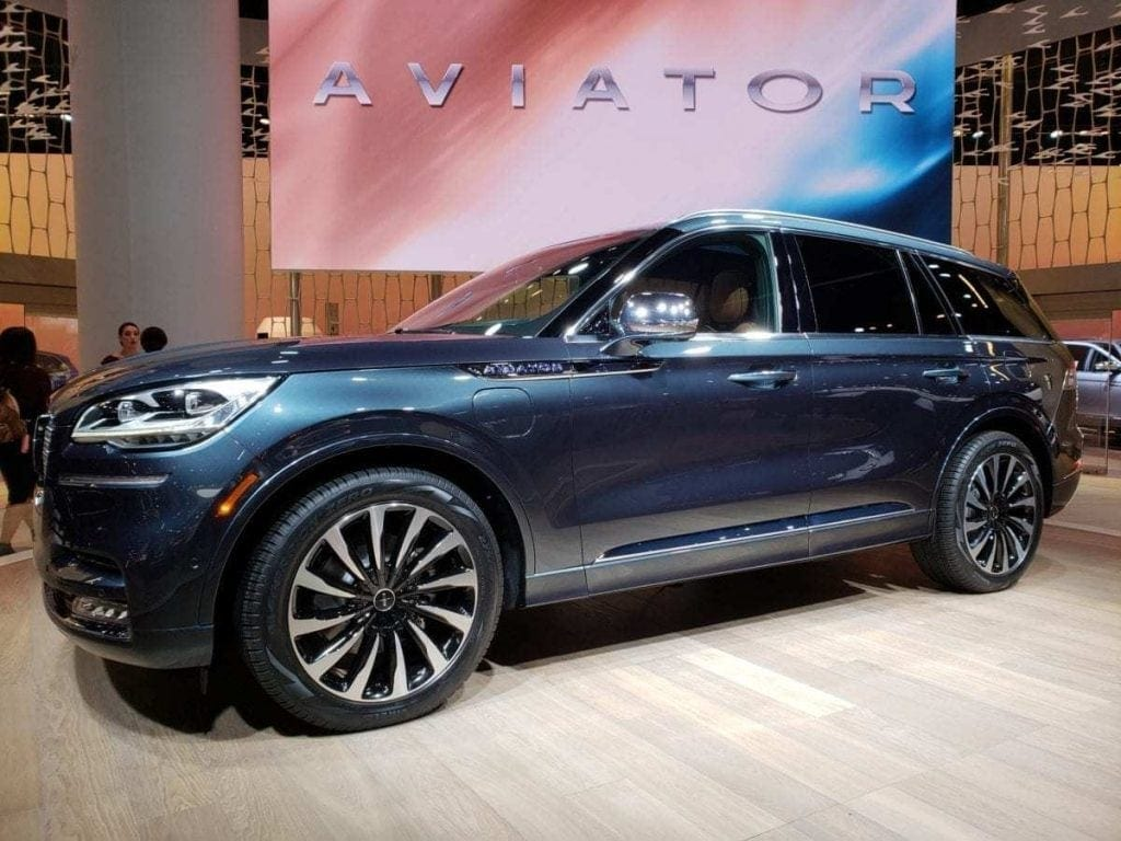Blue Lincoln Aviator Driver-side Profile