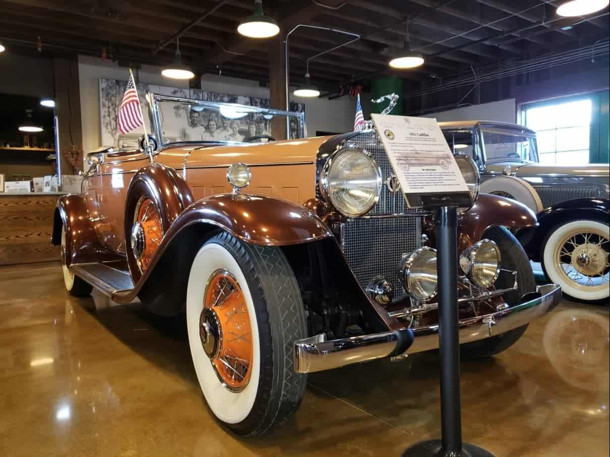 Museum-shiny 1931 Cadillac convertible