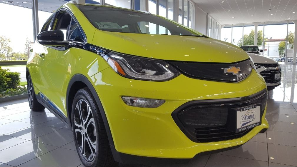 Shock Yello 2019 Chevrolet Bolt EV passenger side front