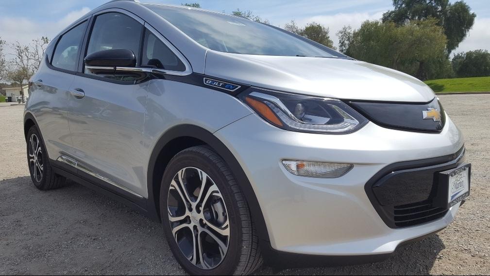 Silver 2019 Chevrolet Bolt EV passenger front