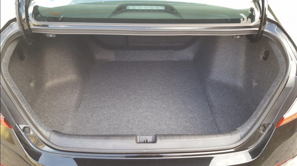 2019 Honda Accord trunk