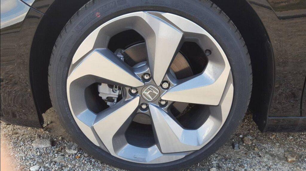 Close-up 2019 Honda Accord wheel