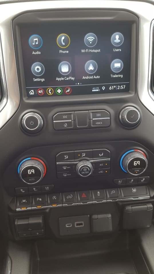 Gray 2019 Chevrolet Silverado 1500 center stack