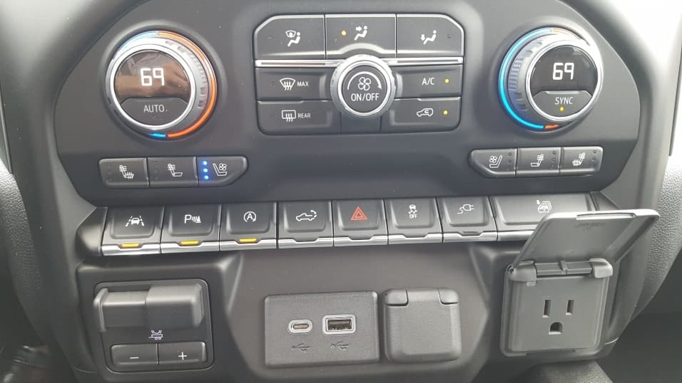 Close of of 2019 Chevrolet Silverado 1500 climate control & ports