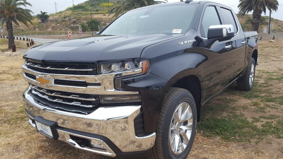 Black 2019 Chevrolet Silverado 1500 driver front