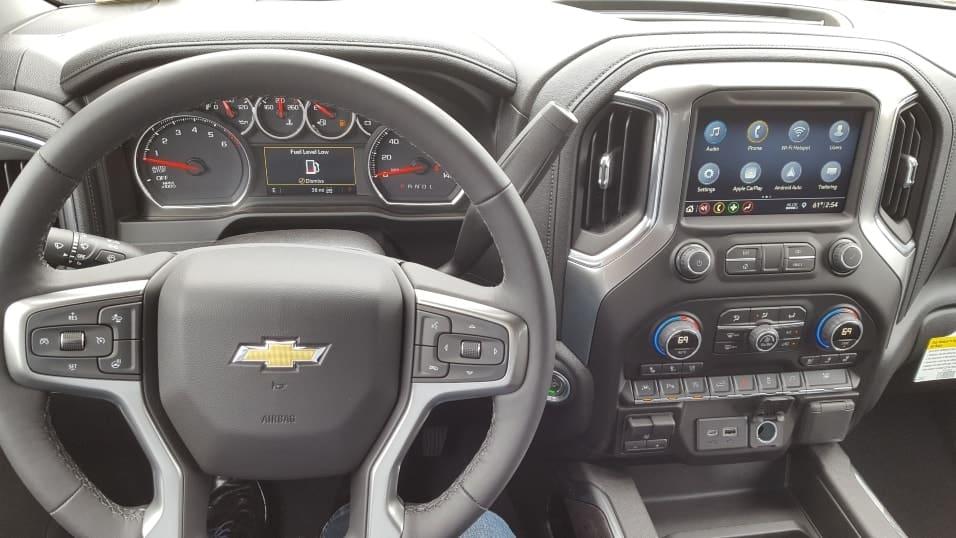 Gray 2019 Chevrolet Silverado 1500 full dashboard