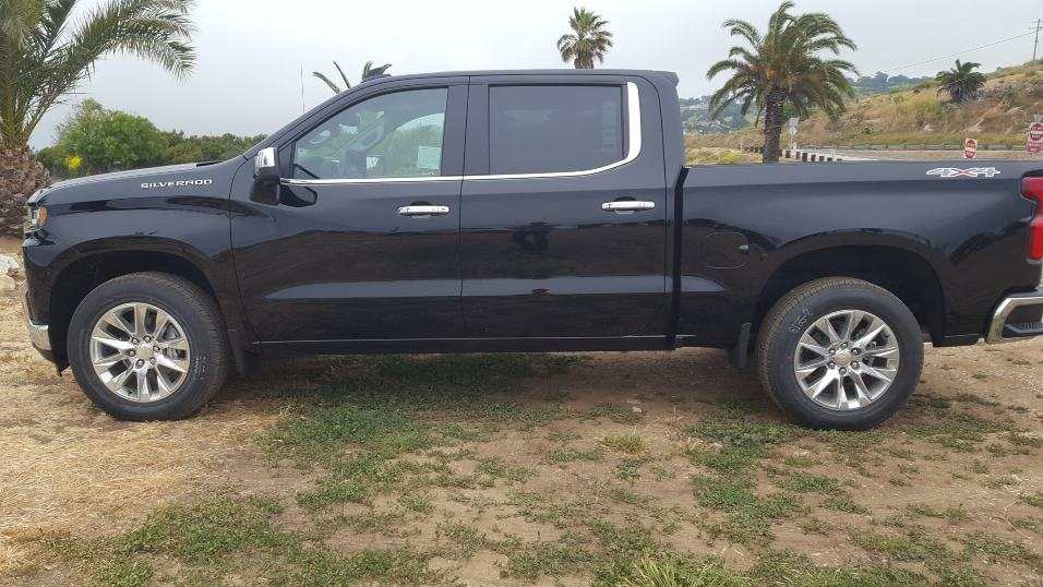 Black 2019 Chevy Silverado 1500 driver profile