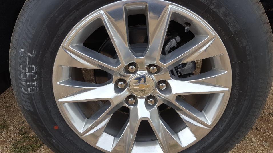 Close-up 2019 Chevy Silverado 1500 wheel