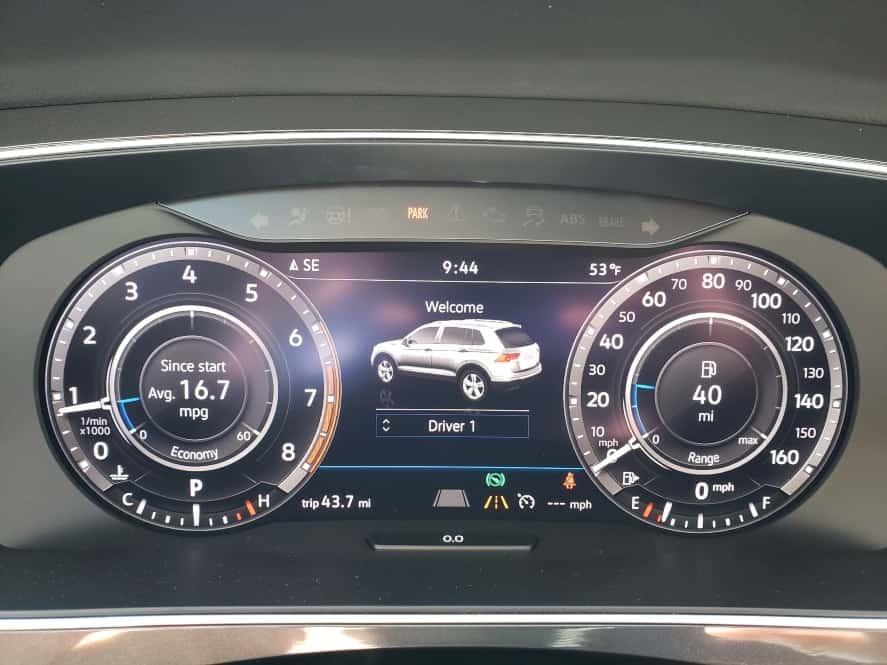 Close up 2019 Volkswagen Tiguan digital cockpit