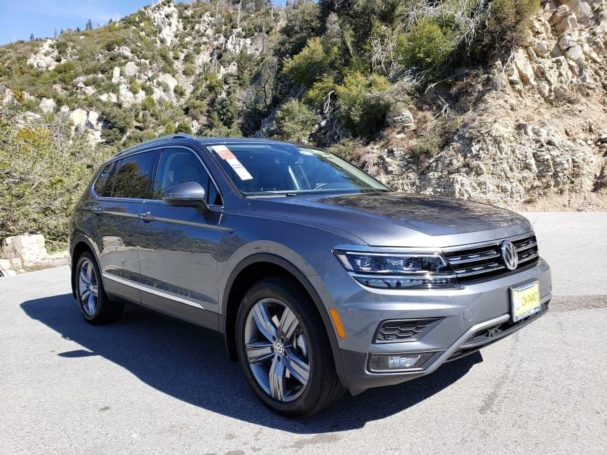 Gray 2019 Volkswagen Tiguan passenger front
