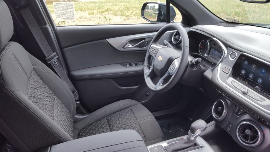 Gray 2019 Chevrolet Blazer cockpit