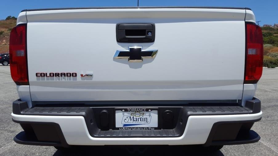 Close-up Colorado tailgate & rear bumper