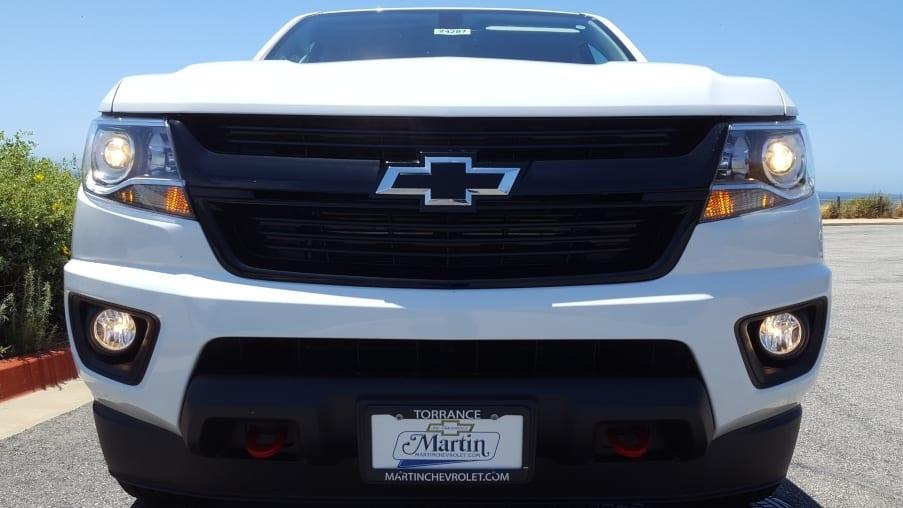 White 2019 Chevrolet Colorado front