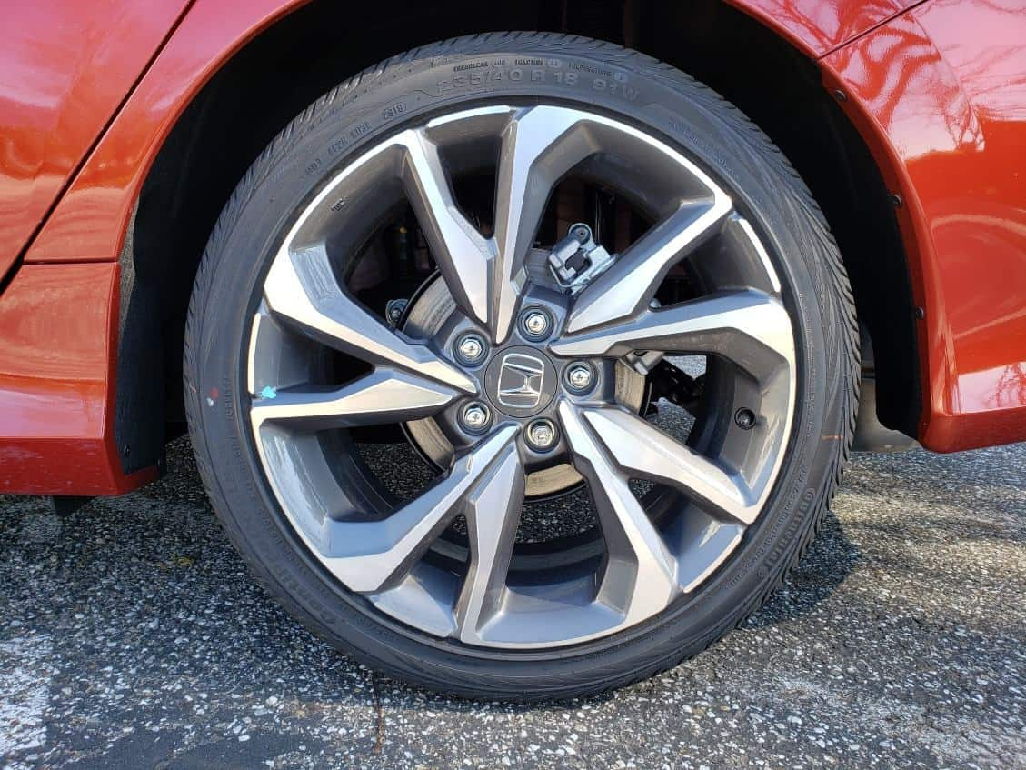 Close-up 2019 Honda Civic wheel