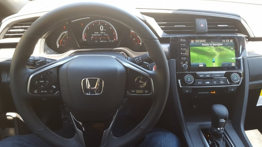 Interior 2019 Honda Civic hatchback dashboard