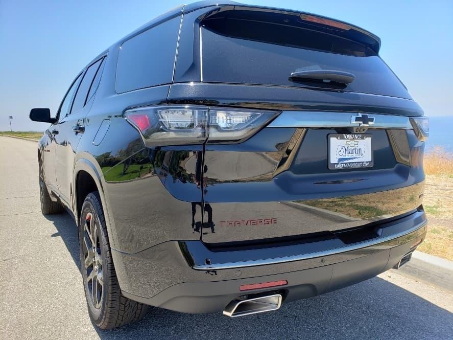 Black exterior, driver rear, 2019 Chevrolet Traverse review