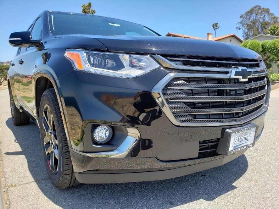 Black 2019 Chevrolet Traverse passenger front