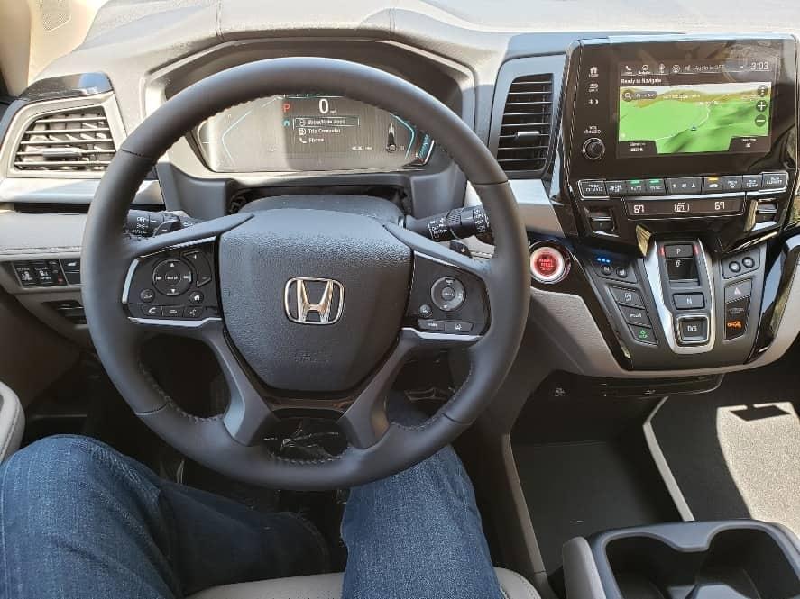 2019 Honda Odyssey Elite cockpit