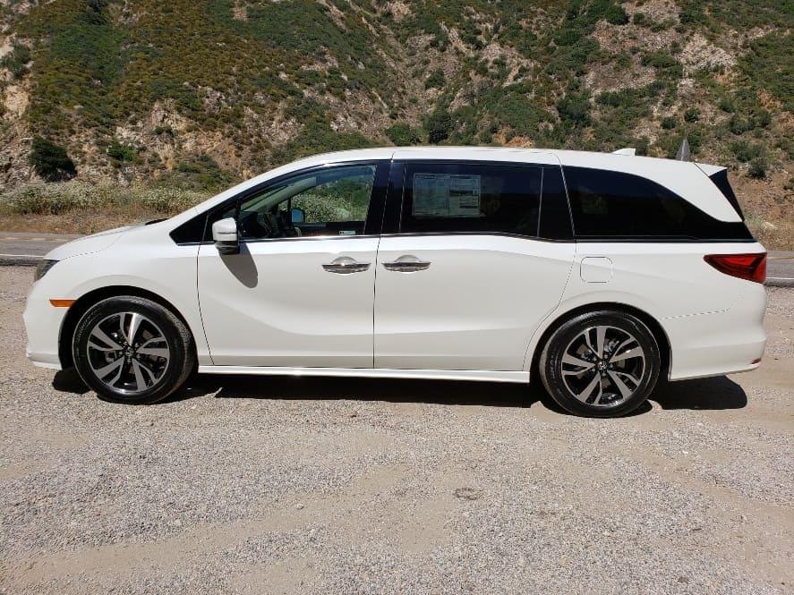 Driver profile '19 Honda Odyssey white