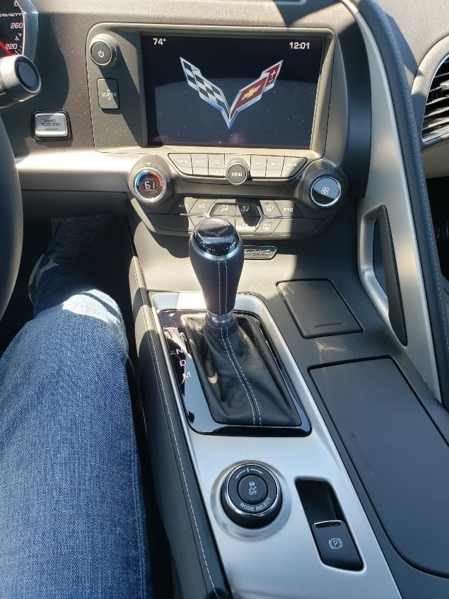 Corvette Stingray center stack and console