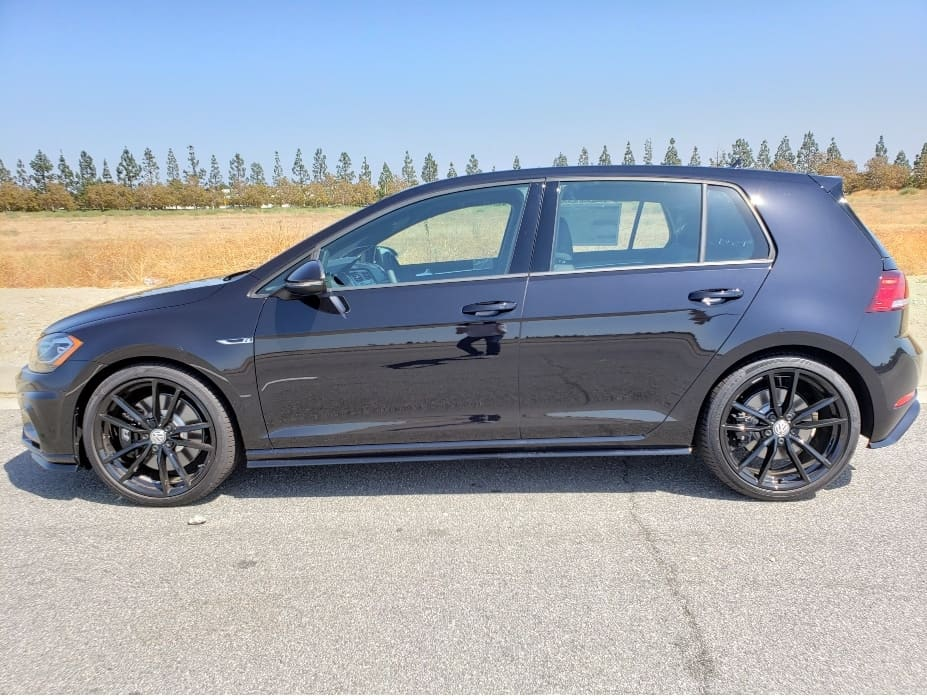 2019 VW Golf R driver profile