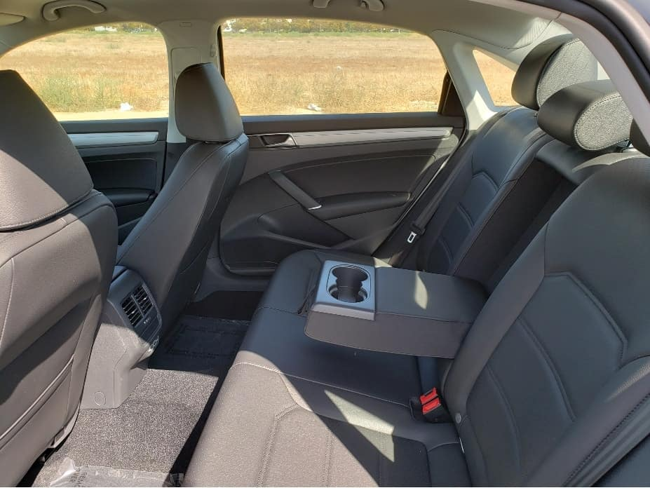 2019 Volkswagen Passat Great legroom in the backseat