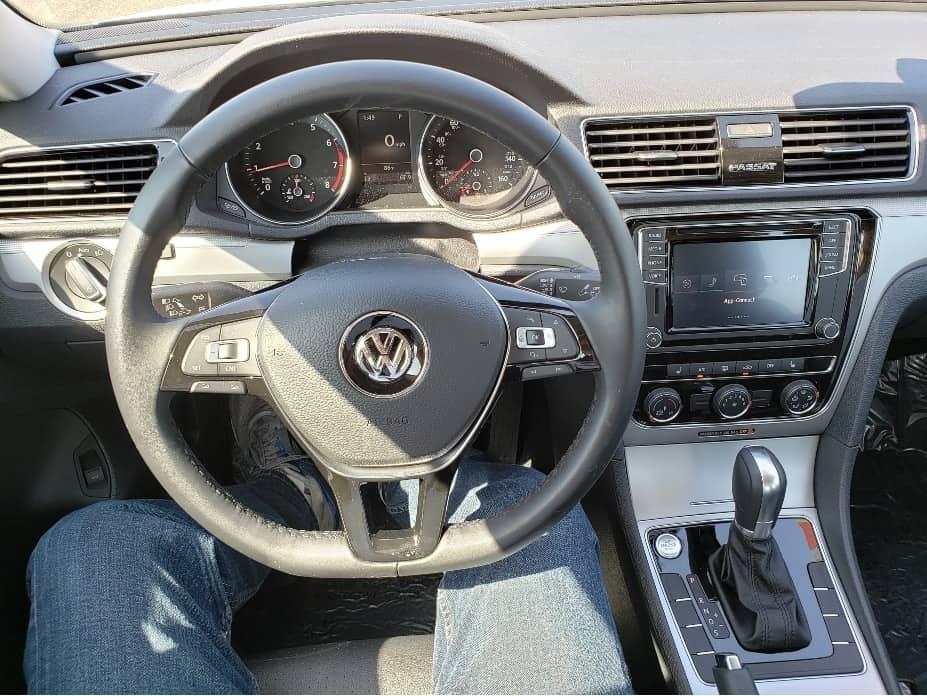 2019 Volkswagen Passat Cockpit