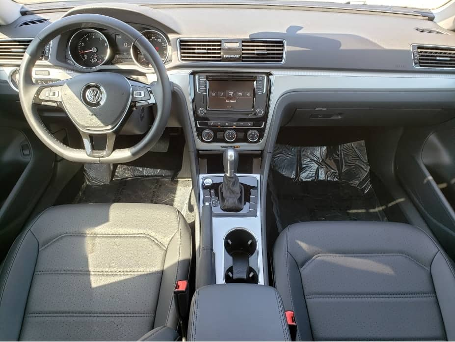 2019 Volkswagen Passat Front seats from back