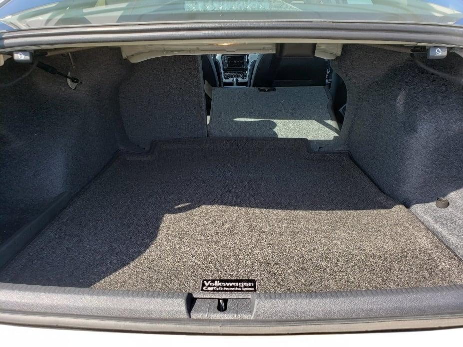 Passat cargo area/trunk