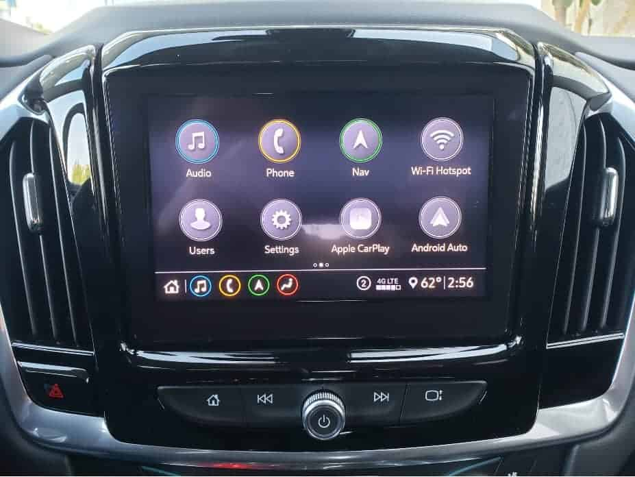 2020 Chevy Traverse infotainment touchscreen