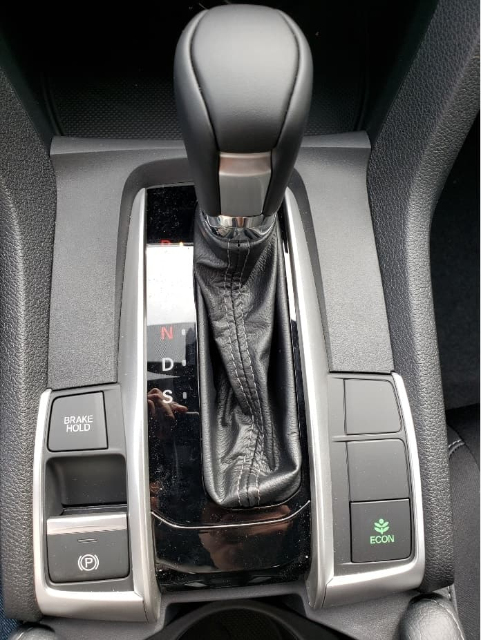 2020 Honda Civic sedan center console shifter