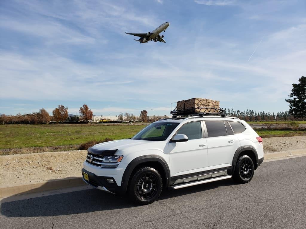 2019 Volkswagen Atlas driver front profile w. jet off-road