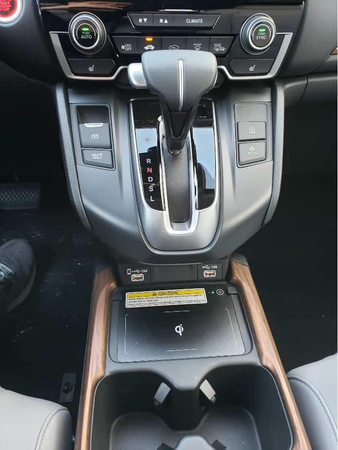 2020 Honda CR-V center console
