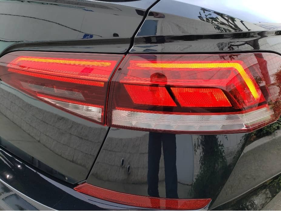 2020 Volkswagen Passat LED taillight