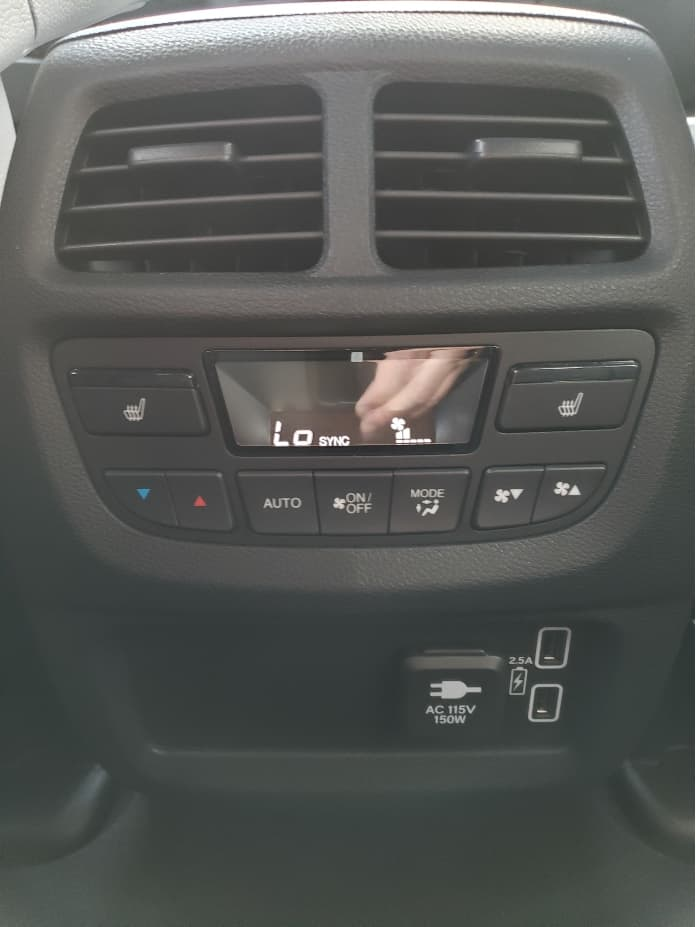 backseat climate control and ports