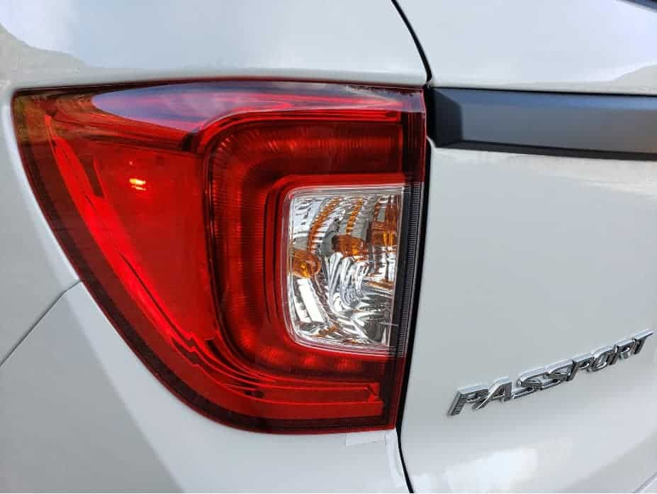 2020 Honda Passport driver taillight 2