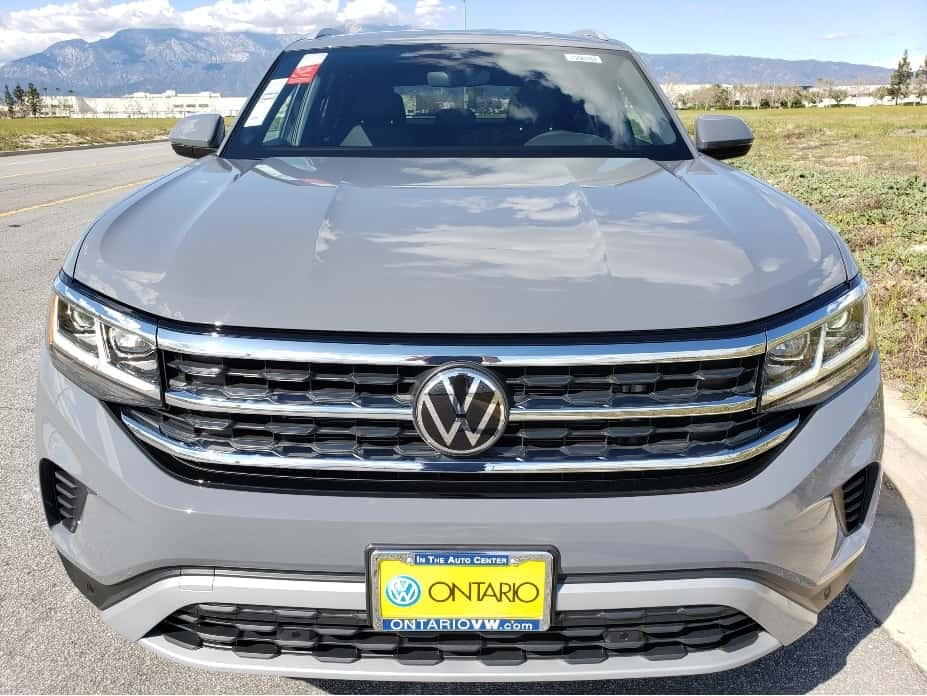 2020 VW Atlas Cross Sport front2