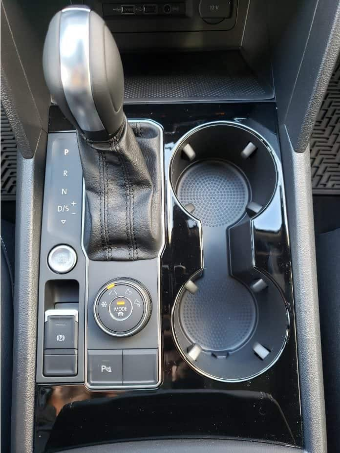 2020 VW Atlas Cross Sport shifter console