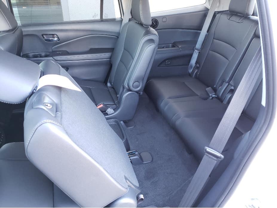 2020 Honda Pilot 3rd row seat access