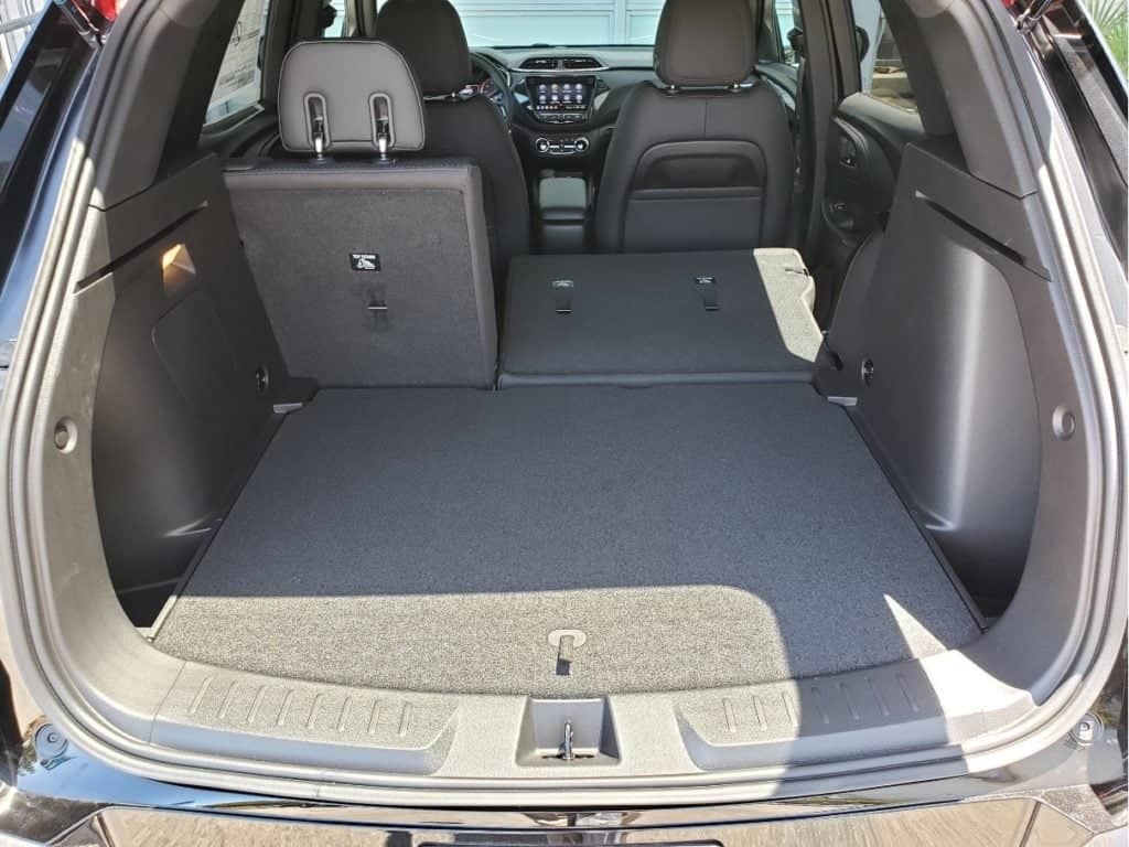cargo area w. backseat partial down