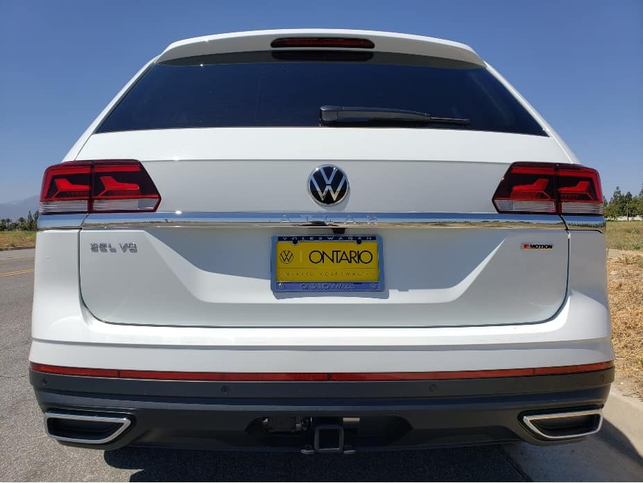 2021-VW-Atlas-rear-pure-white